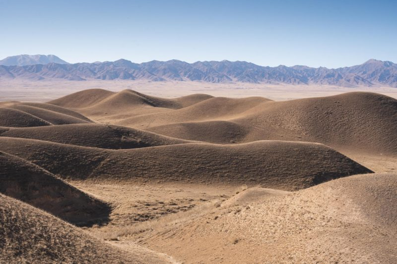 tibetan plateau hills and mountains