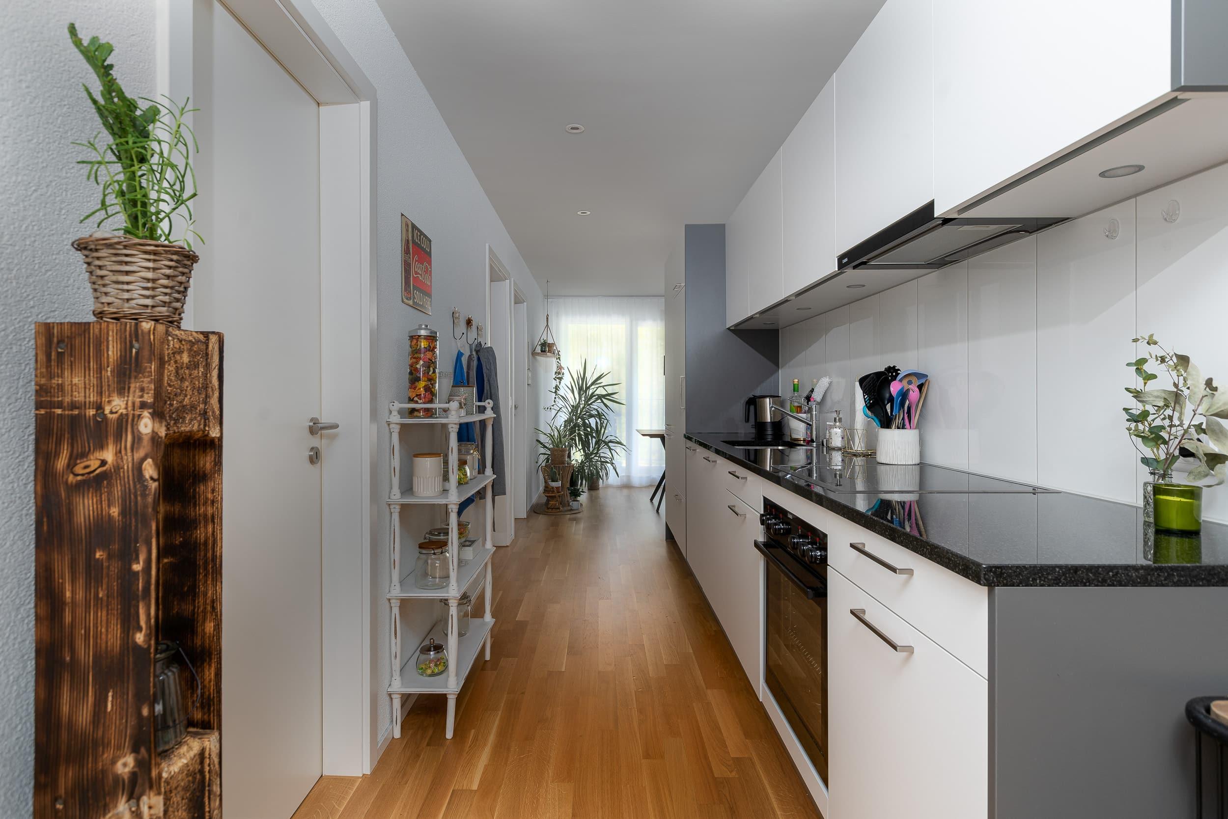 Neubauwohnung Sommerrain Ostermundigen - Küche & Flur
